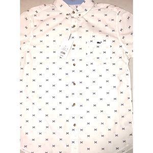 NWT Vineyard Vines shirt size medium. Target.